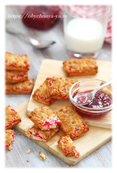 Простое домашнее печенье с йогуртом и джемом